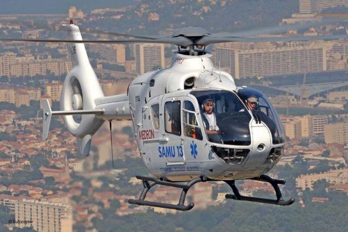04659 Revell Eurocopter EC135 [Niv 4]