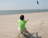 Vliegeren langs de kust (powerkiten)